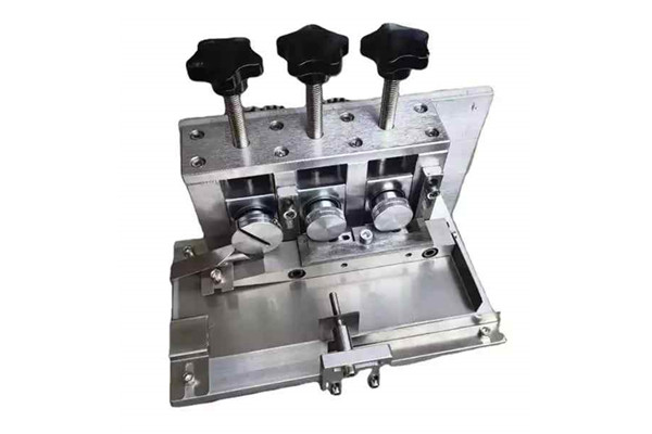 Nose bridge combination of mask machine